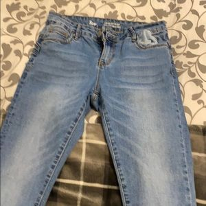 Light blue tight high waisted skinny jeans